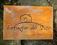 Cortenstahlplatte mit Logo